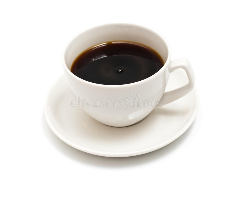 Cuvette de café noir d'isolement sur le blanc photo libre de droits