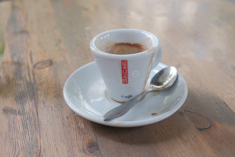 Cuvette de café vide photographie stock libre de droits