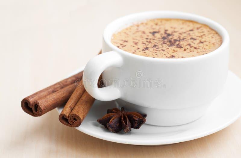 Cuvette de cappuccino images stock