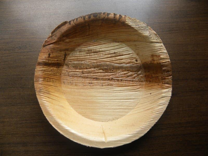 Cuvette de palmette d'arec image stock