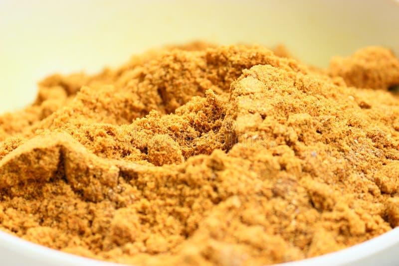 Cuvette de puissance de safran des indes, épices indiennes photo libre de droits