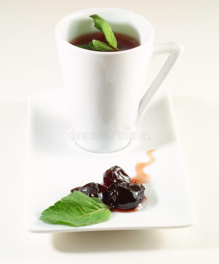 Cuvette de thé de fruit images stock
