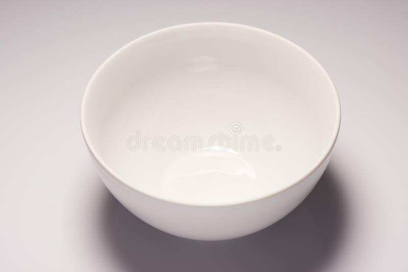 Cuvette en céramique vide blanche images libres de droits