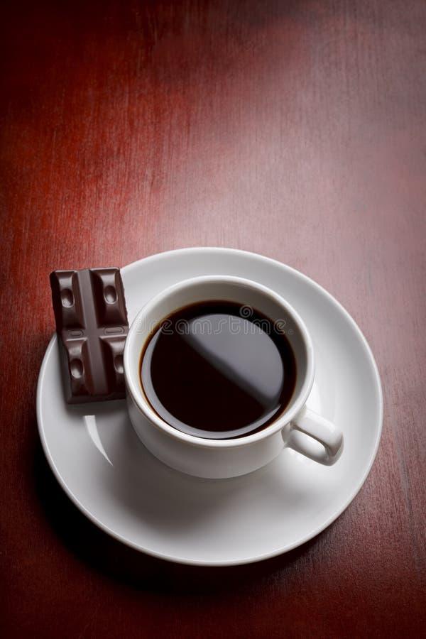 Cuvette et chocolat de café image stock
