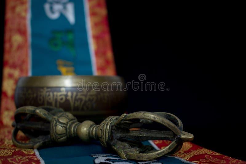 Cuvette et vajra tibétains de chant photo libre de droits