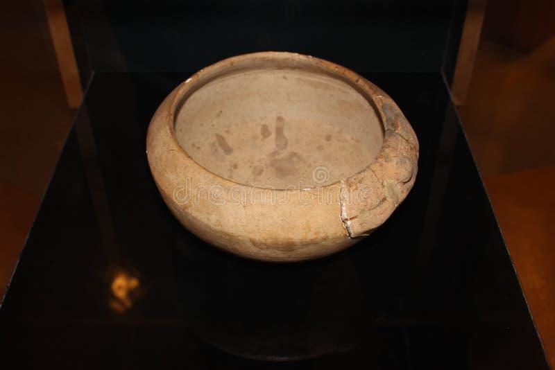 Cuvette rituelle employée par des natifs américains montrés dans le musée de kolomoki images libres de droits