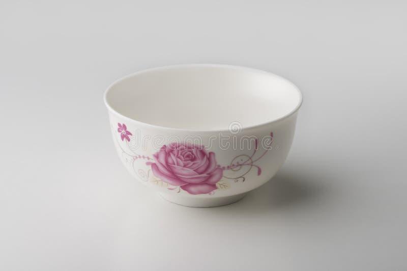 Cuvette ronde dans la porcelaine blanche photographie stock