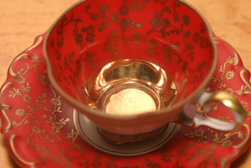 Download Cuvette rouge de cru photo stock. Image du antiquité, café - 83002