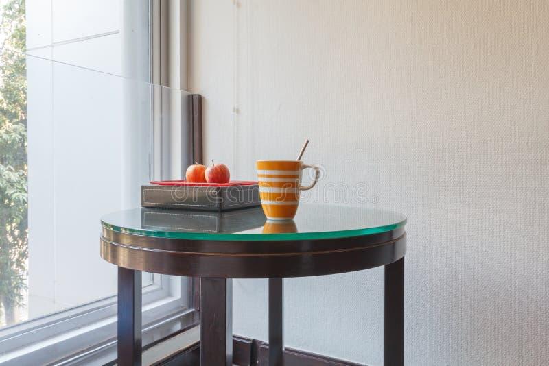 Cuvettes de café colorées image libre de droits