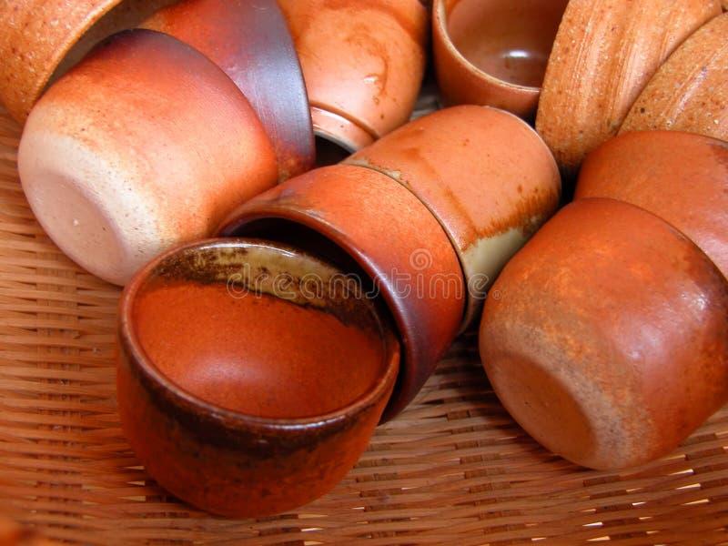 Cuvettes en céramique images stock