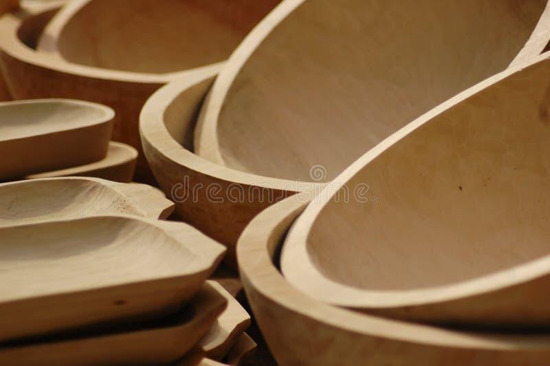 Cuvettes fabriquées à la main en bois.   photographie stock libre de droits