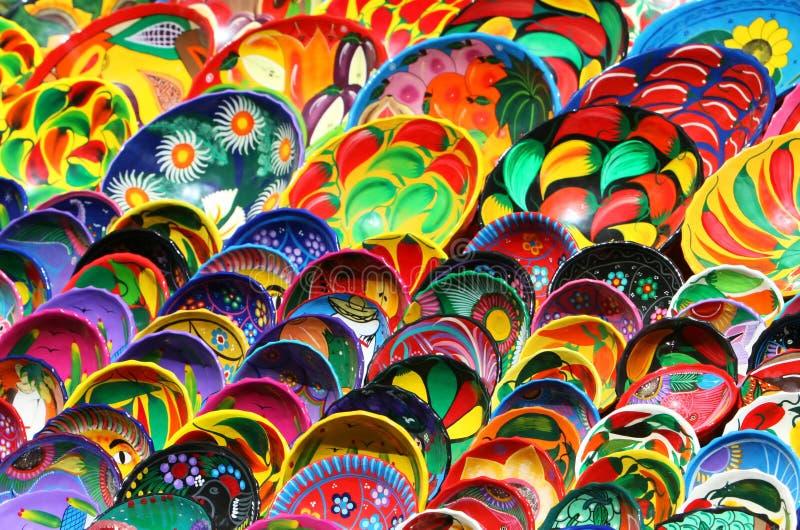 Cuvettes mexicaines colorées image libre de droits