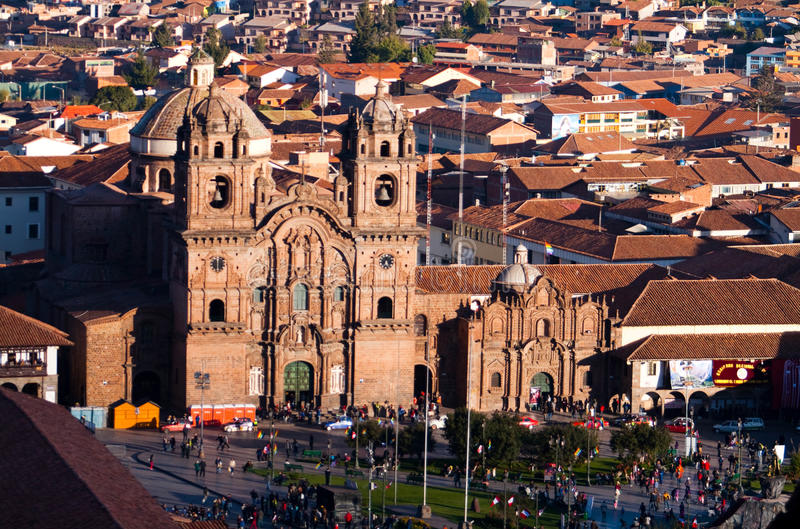 CUZCO, PERU: mening van de belangrijkste kerken in de stad royalty-vrije stock afbeeldingen