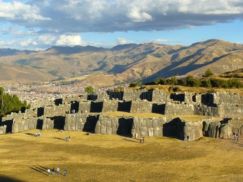 cuzcoen peru fördärvar sacsayhuaman royaltyfria bilder
