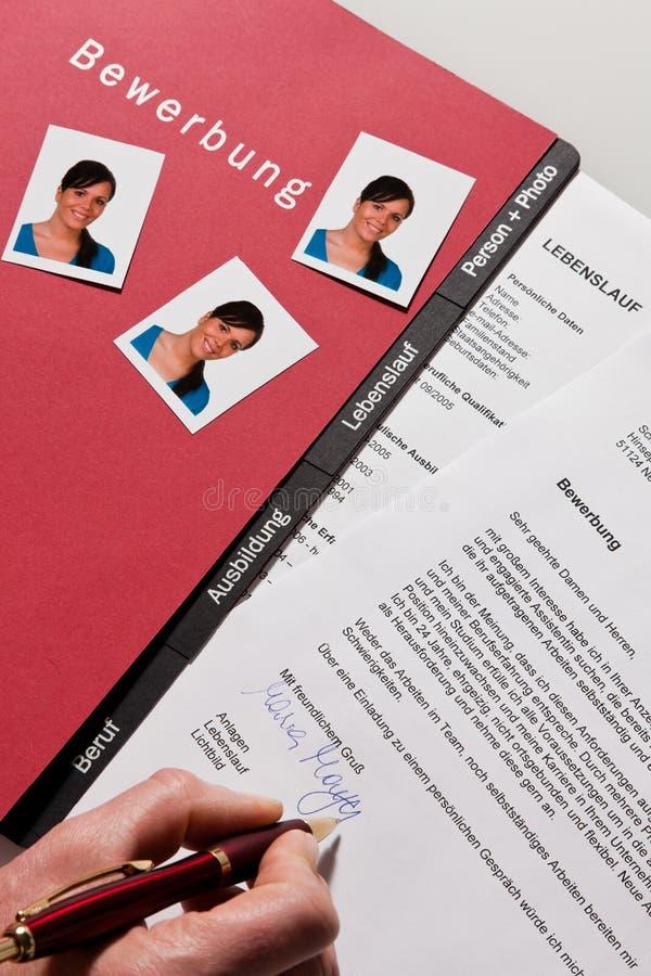 CV y carta de la aplicación en alemán foto de archivo