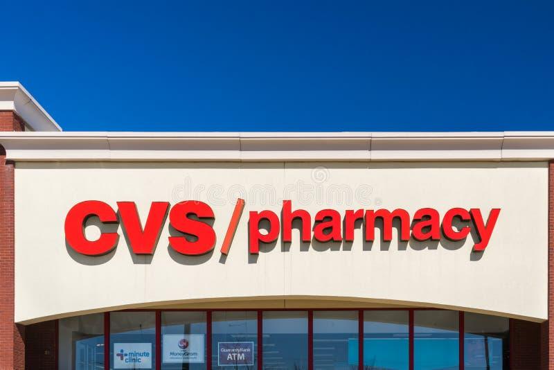 CVS-Apotheken-Einzelhandelsgeschäft-Äußeres und Logo stockbild