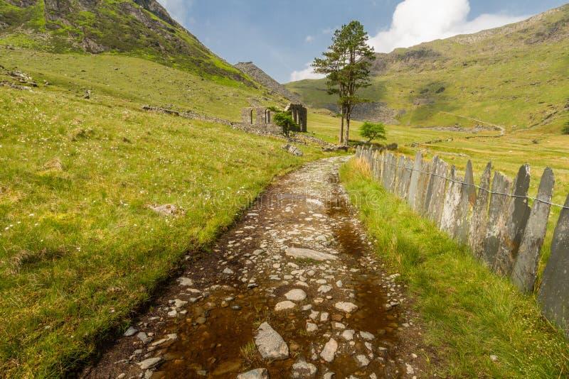 Cwmorthin, wisząca dolina w Północnym Walia z rujnującą kaplicą obrazy royalty free