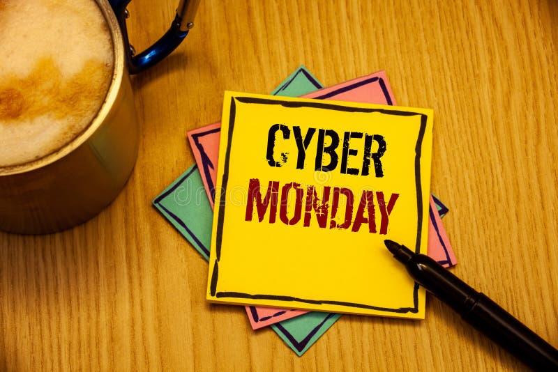 Cyber måndag för ordhandstiltext Affärsidé för speciala försäljningar efter Black Friday online-shoppingE-kommers royaltyfria bilder