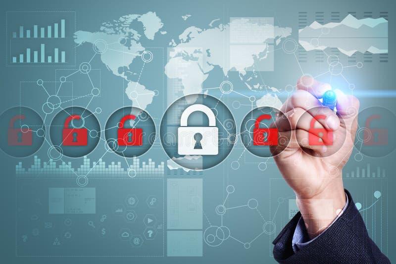 Cyber ochrona, dane ochrona, ewidencyjny bezpieczeństwo i utajnianie, internet technologia i biznesu pojęcie zdjęcia royalty free
