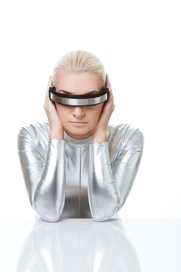 cyber som har huvudvärkkvinnan fotografering för bildbyråer