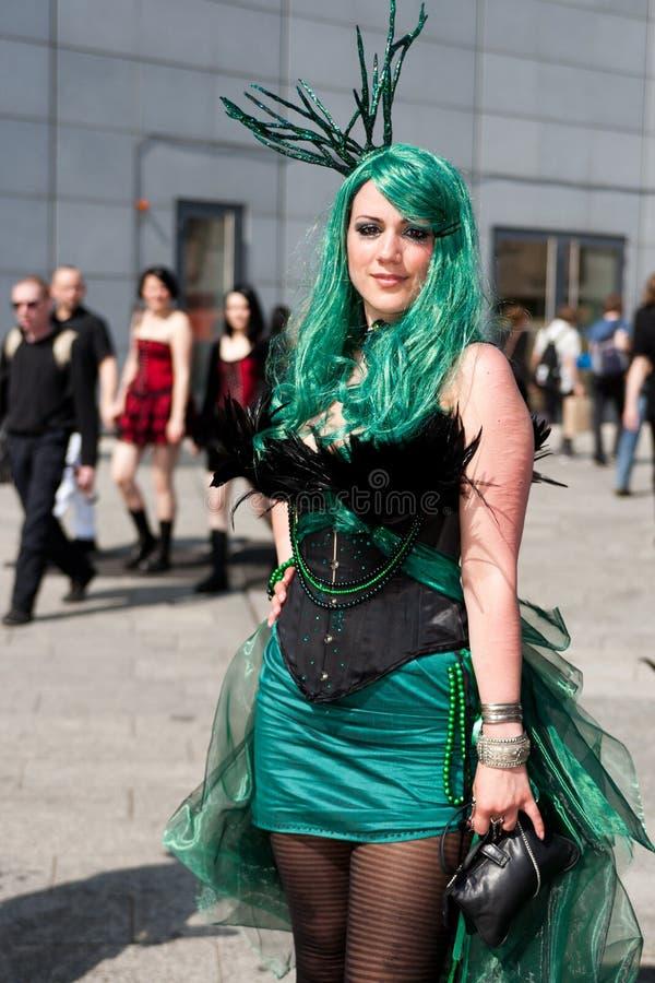 Cybermädchen an Bewegen-Gotik-Treffen wellenartig stockbild
