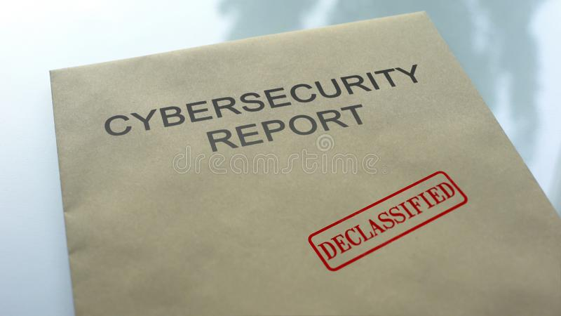 Cybersecurity报告在文件夹,重要文件解密,封印盖印了 免版税库存照片