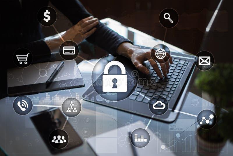 Cyberveiligheid, Gegevensbescherming, informatieveiligheid en encryptie stock fotografie