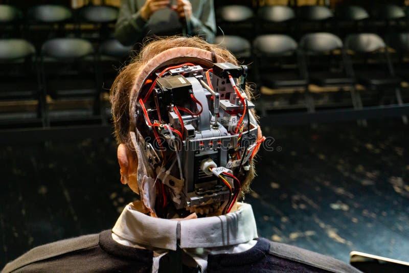Cyborg, klon, robotandroid och konstgjort manbegrepp arkivbild