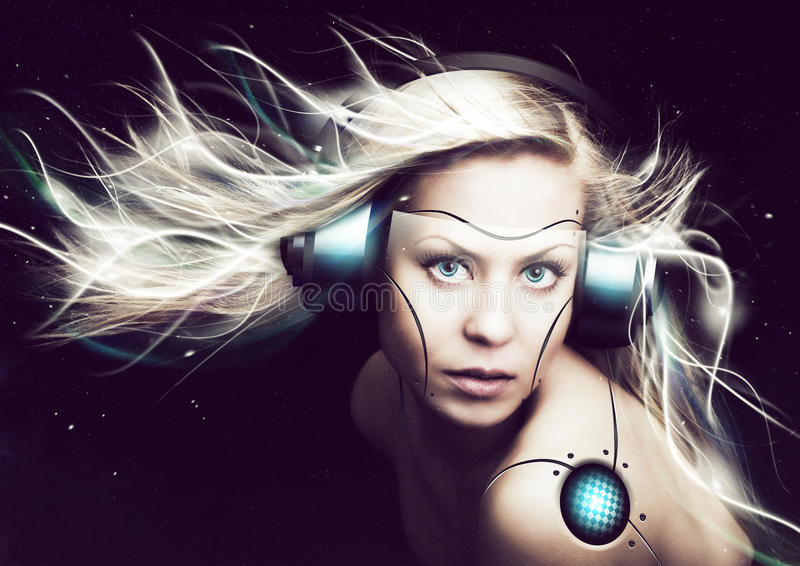 Cyborgfrau über dunklem Hintergrund stockfotos