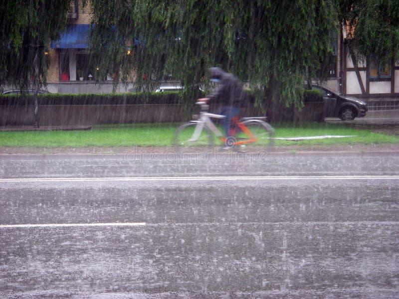 Cycle de pluie image libre de droits