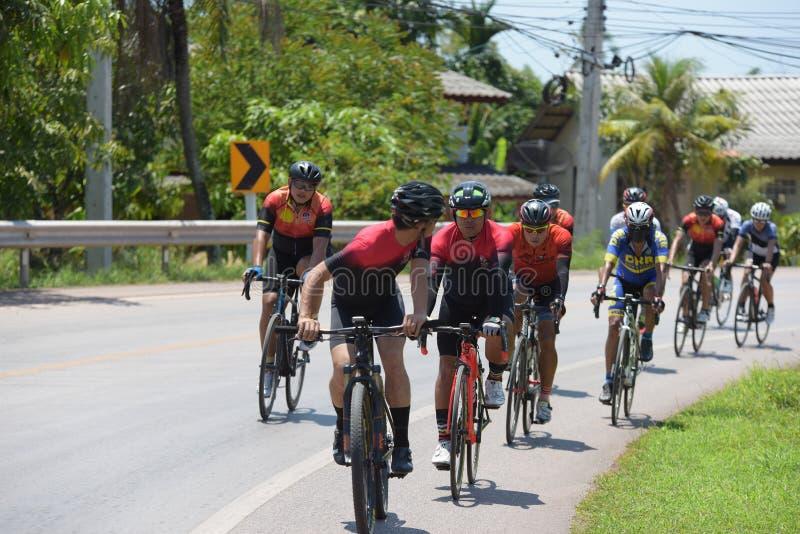 Cycliste amateur ils concurrencent dans un programme de charité photographie stock