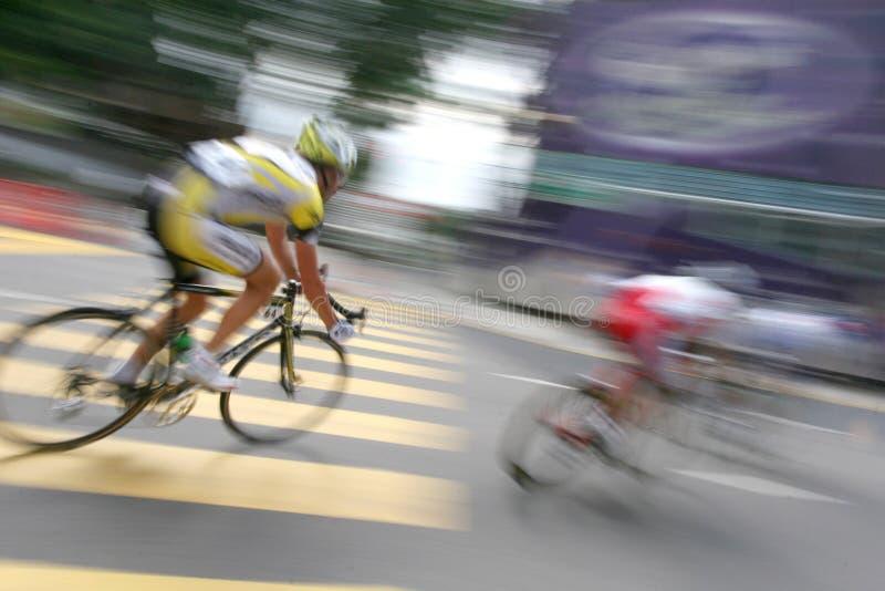 Cycliste dans l'action de zoom image libre de droits