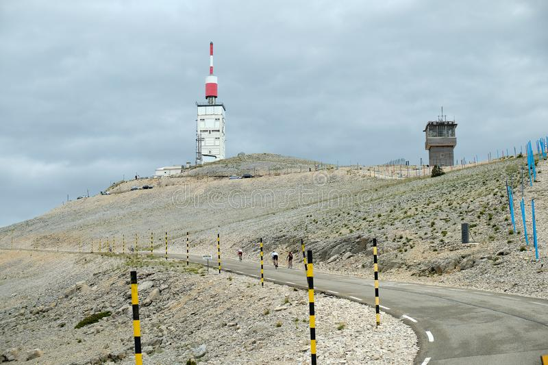 Cyclistes sur Mont Ventoux, France photo stock