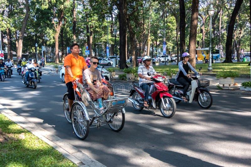 Cyclo in Ho Chi Minh City Street royalty-vrije stock foto's