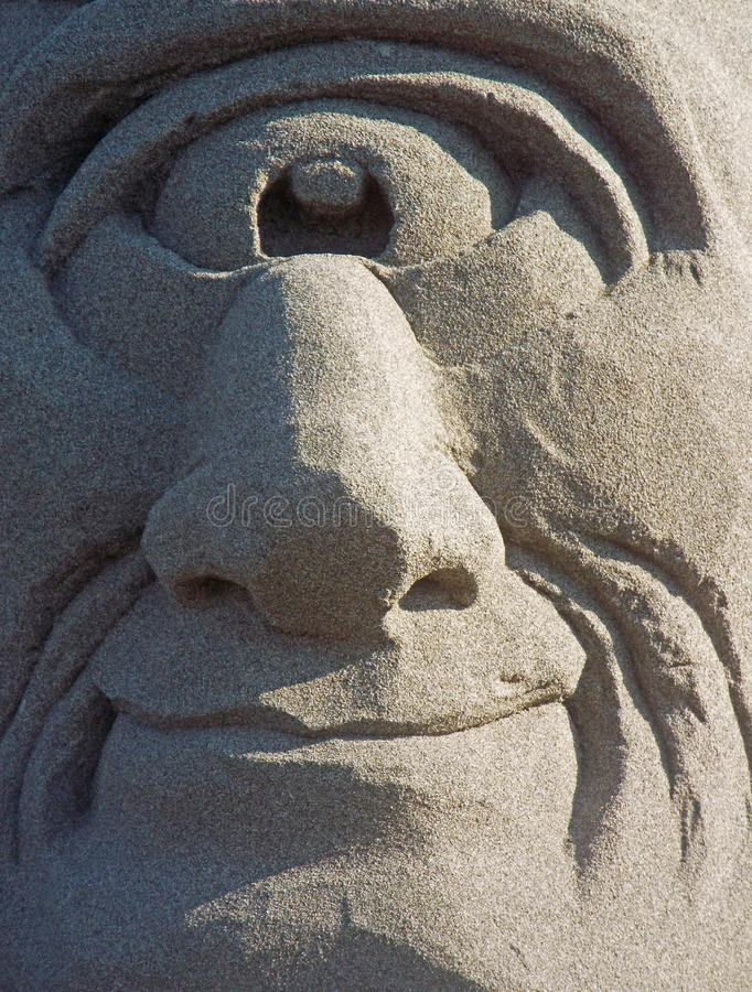 Cyclops som göras ut ur sand royaltyfria bilder
