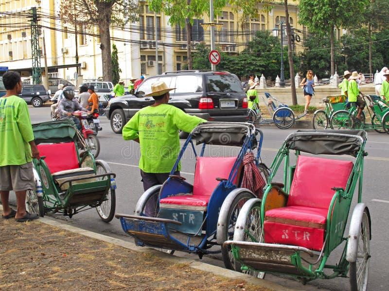 Cyclos em Phnom Penh, Camboja imagens de stock royalty free