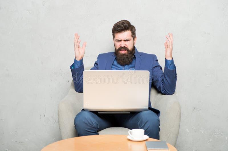 Cyfrowego marketing surfing internetu Zakup online Kierownik projektu Biznesowa korespondencja Nowo?ytny Biznesmen zdjęcie stock