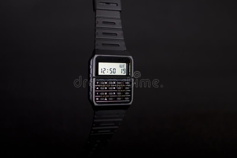 Cyfrowy zegarek z kalkulatorem zdjęcia stock