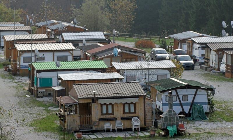 Cyganu gypsy obóz na obrzeżach obrazy stock