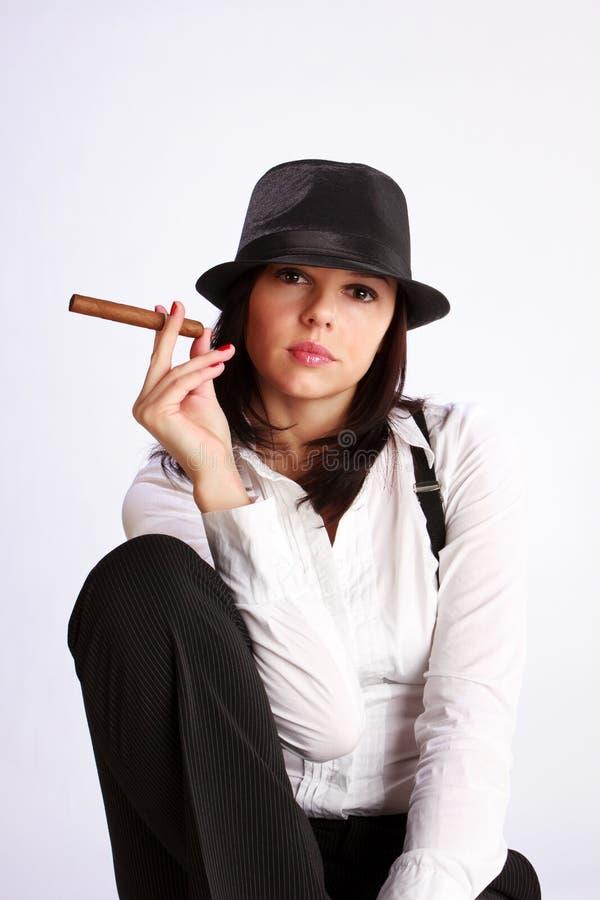 cygarowa dziewczyna obrazy stock