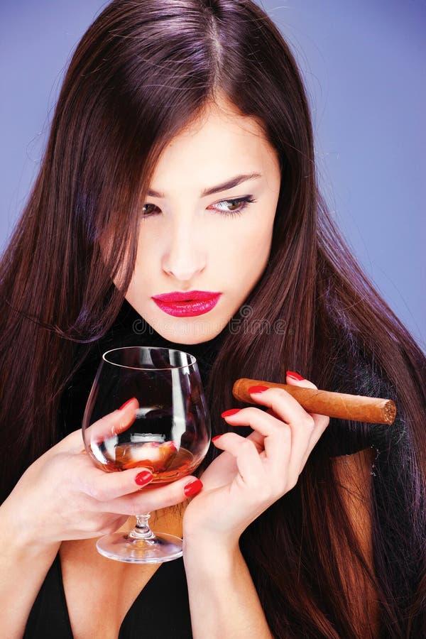 cygarowa kobieta zdjęcie stock