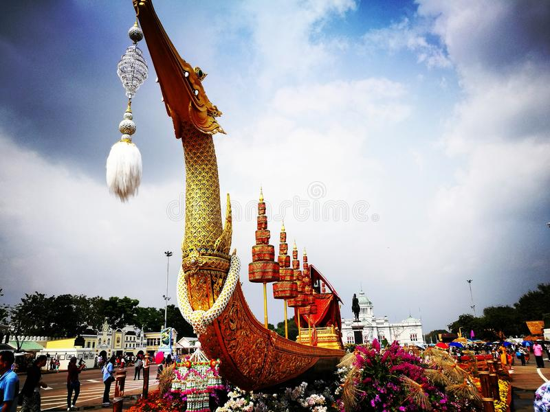 Cygne de Suphan du Roi Rama 9 à Bangkok image libre de droits