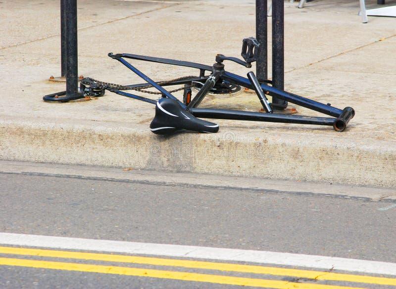 Cykel med saknadhjul och styren arkivfoton