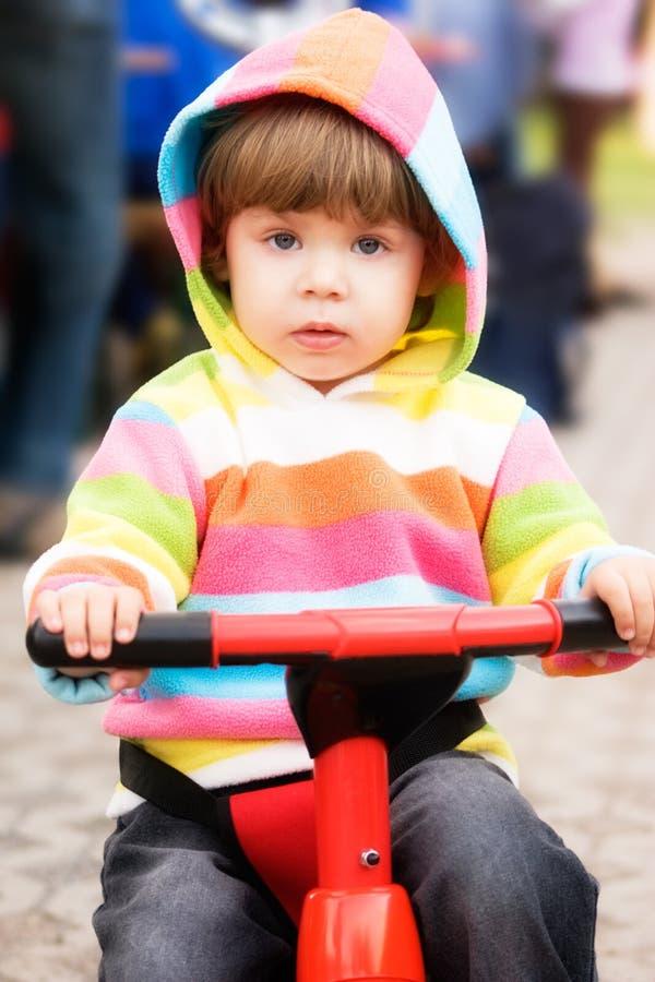 cykel som först kör mitt royaltyfri fotografi