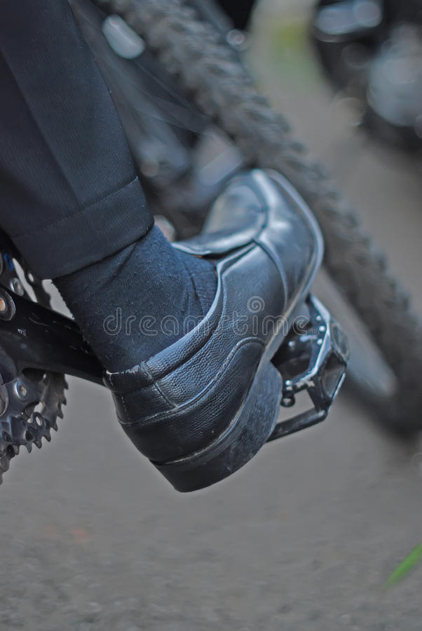 Cykel som fungerar royaltyfri foto