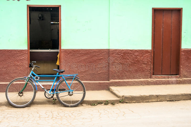 Cykeln parkerar arkivfoton