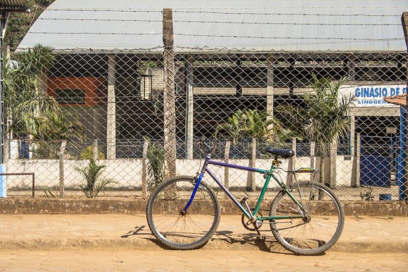 Cykeln parkerar arkivbilder