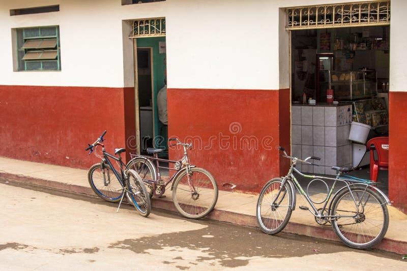 Cykeln parkerar royaltyfri fotografi