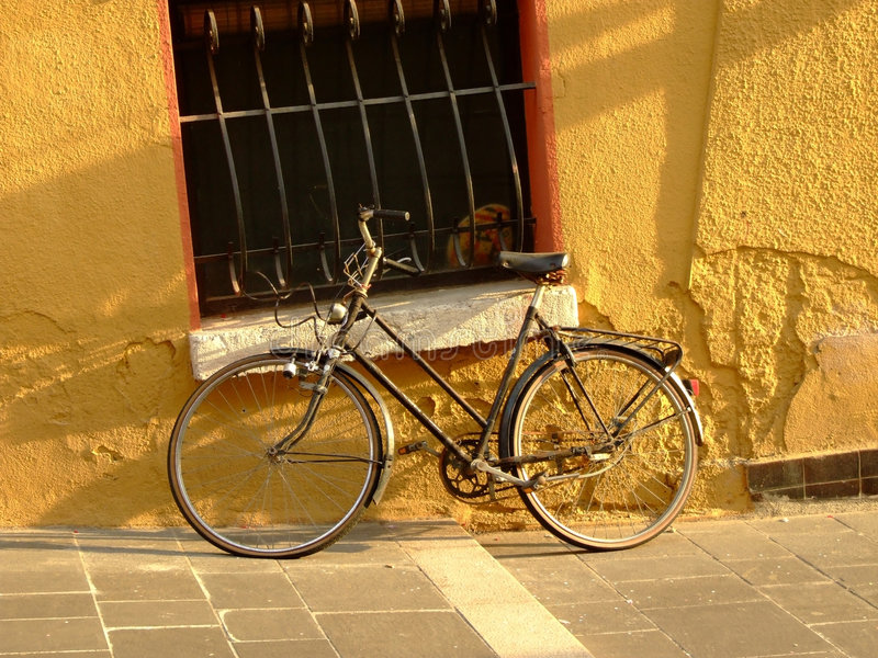 cykelsolnedgång arkivbilder