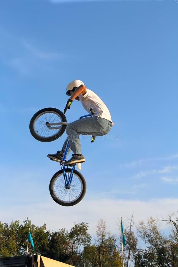 cykla cykelsport BMX arkivbilder